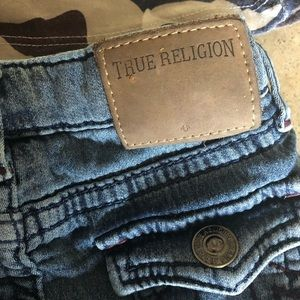 True religion baby out fit.
